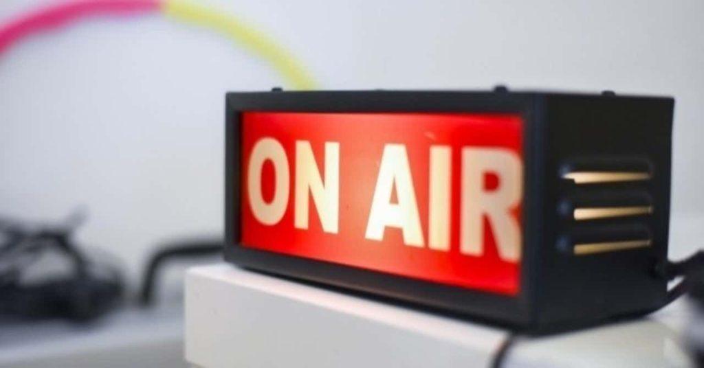 ラジオのイメージ オンエアの表示灯の画像